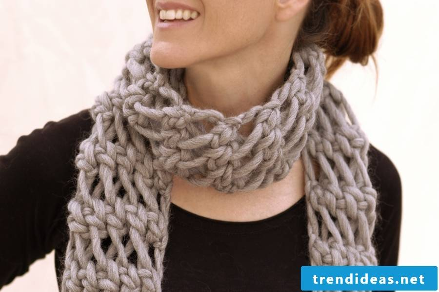 How to knit a loop scarf?
