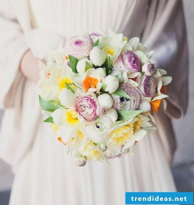 Wedding bouquet of daffodils