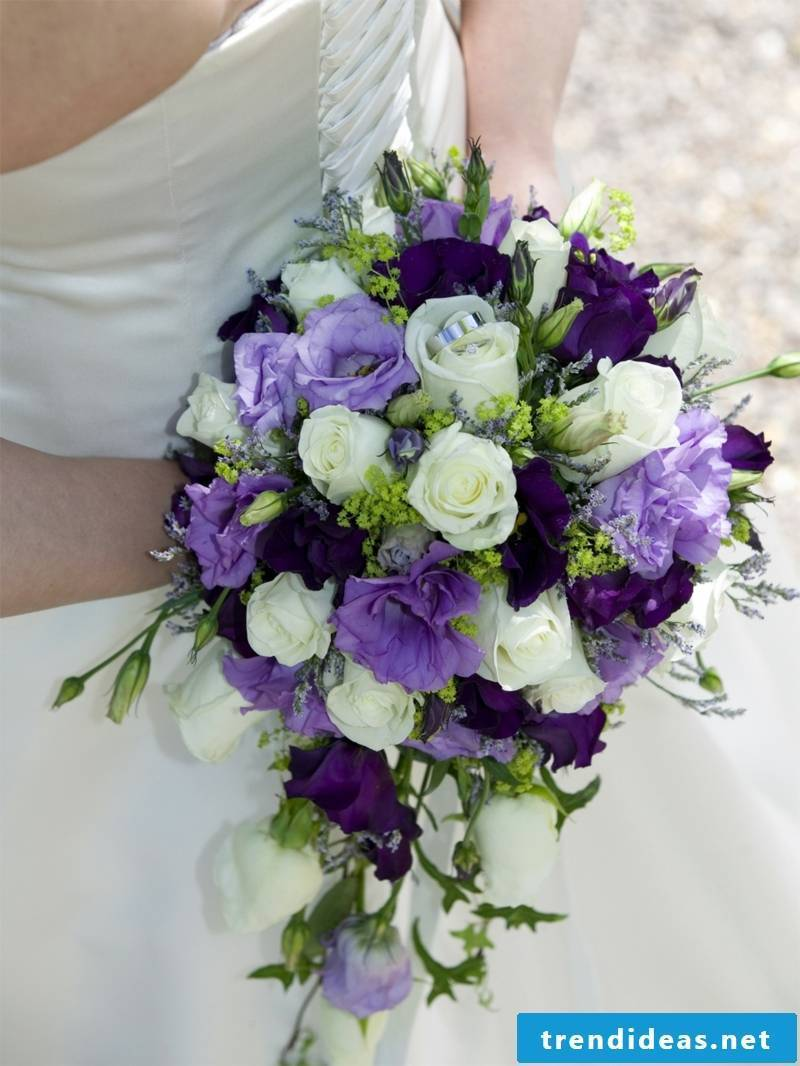 the bride and groom costs reduce creative ideas