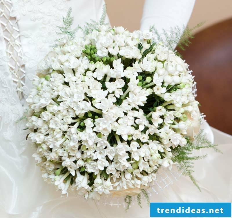 Bridal bouquet winter wedding
