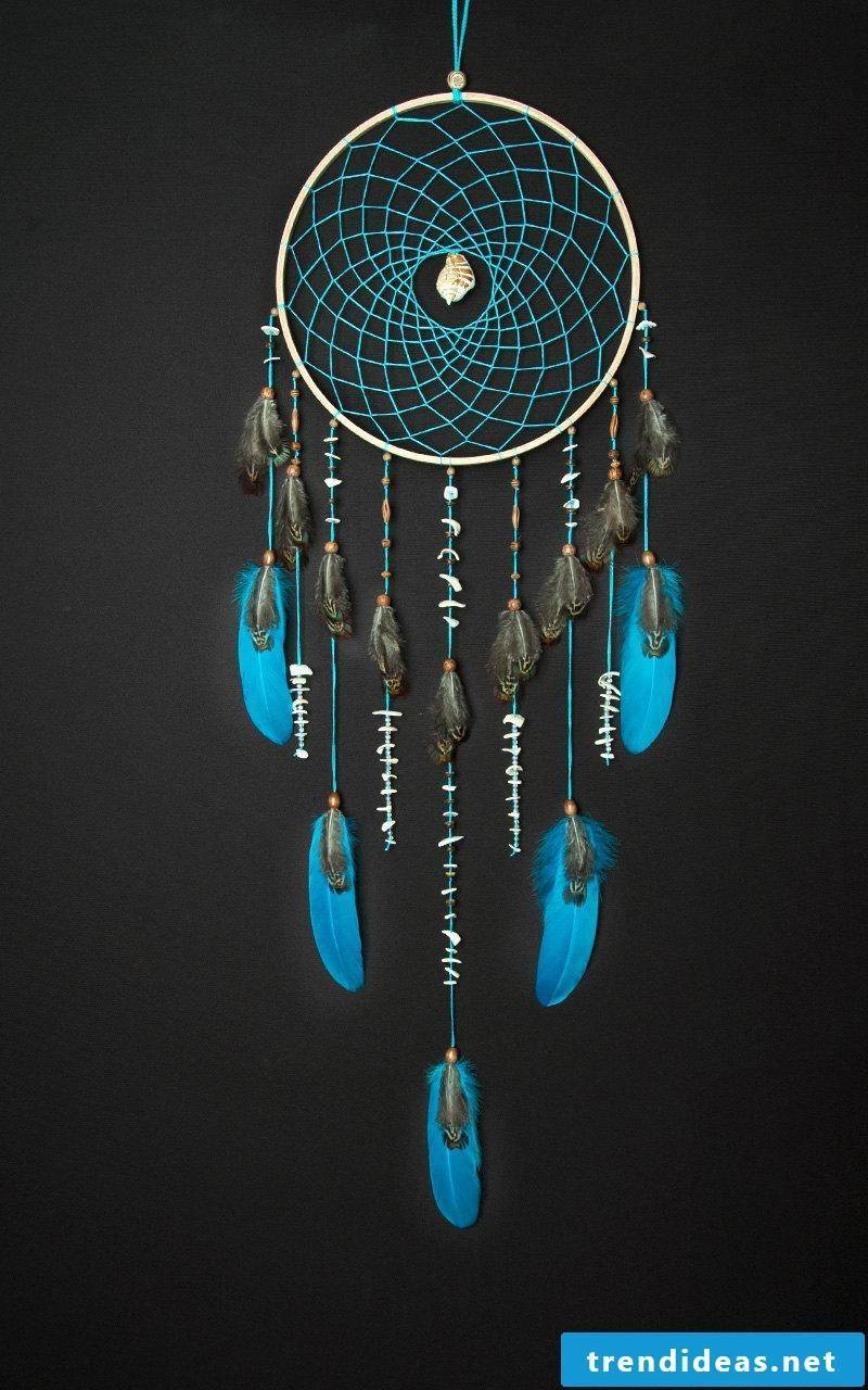 Ideas for Dreamcatchers Crafting of natural materials