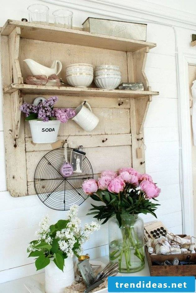 This shelf in Shabby Style is brilliant! Did you want to have one?