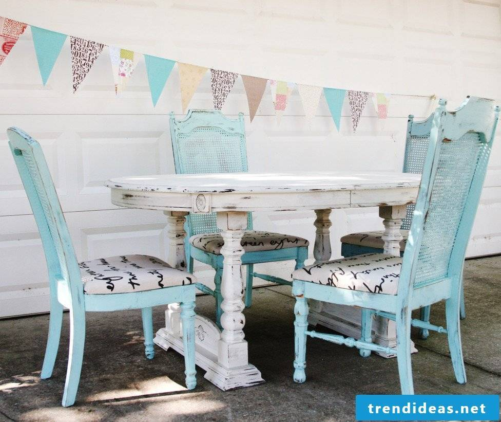 Are you in love with Shabby Style? Learn how to give a shabby look to your furniture yourself
