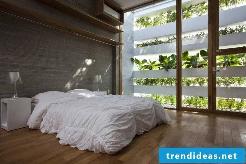 Vertical garden in the bedroom for fresh air in the night