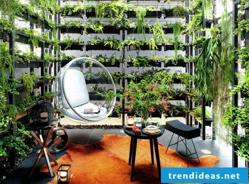 Vertical garden for the perfect relaxation area
