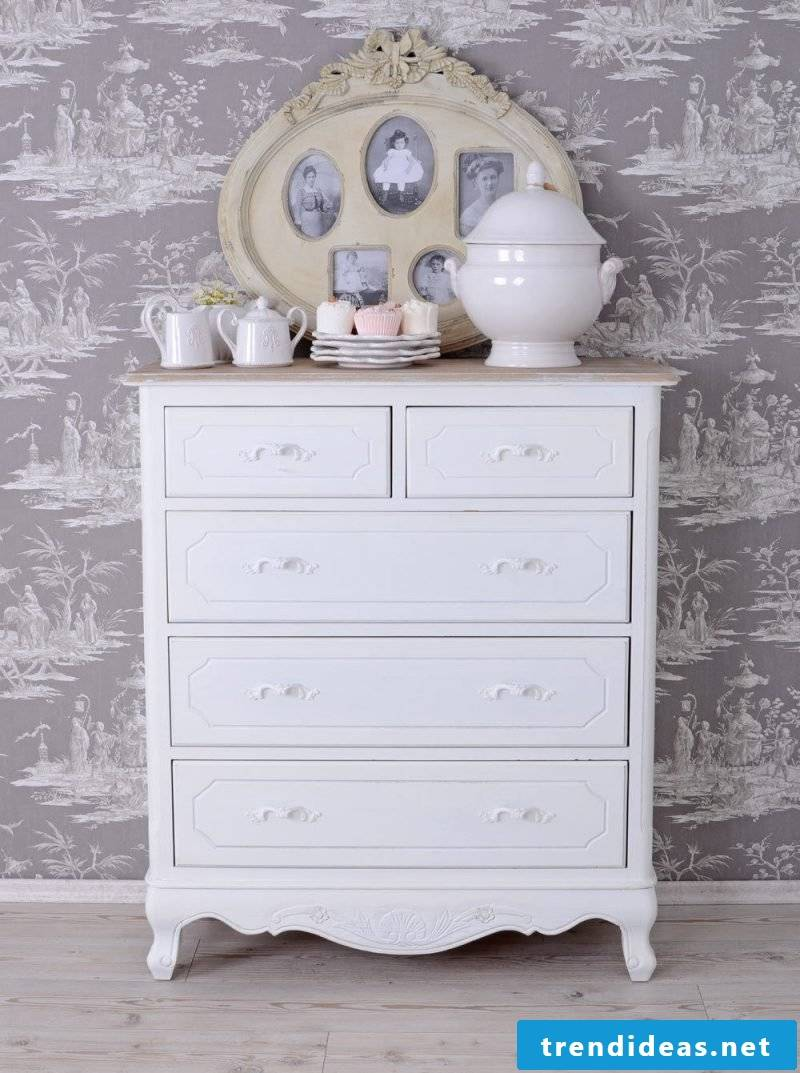Vintage style country house furniture country style white dresser drawers set up decorating ideas
