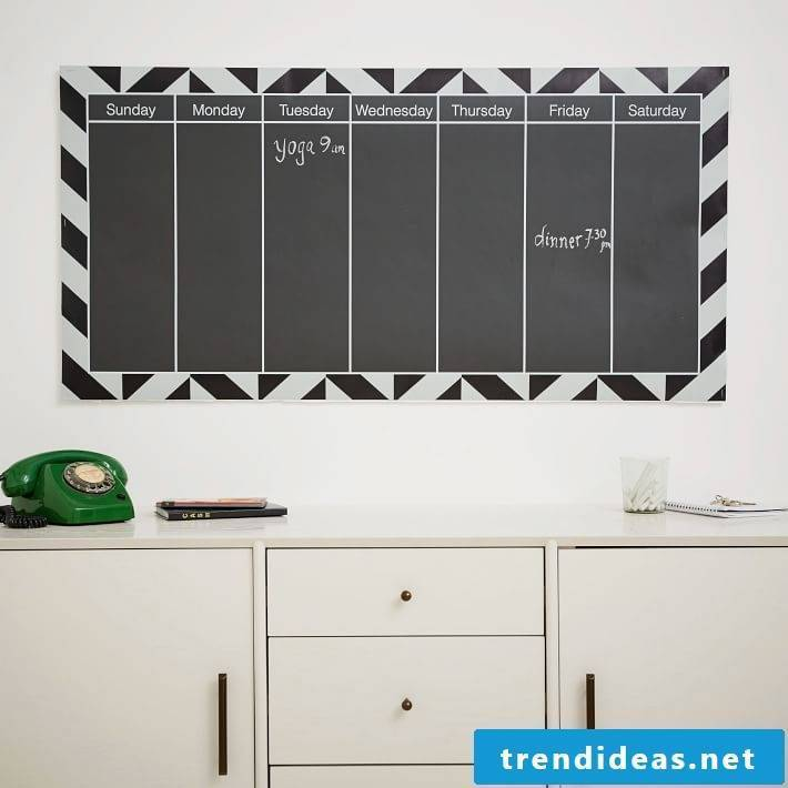 Even more unique ideas for wall calendars 2017/2018 can be found here!