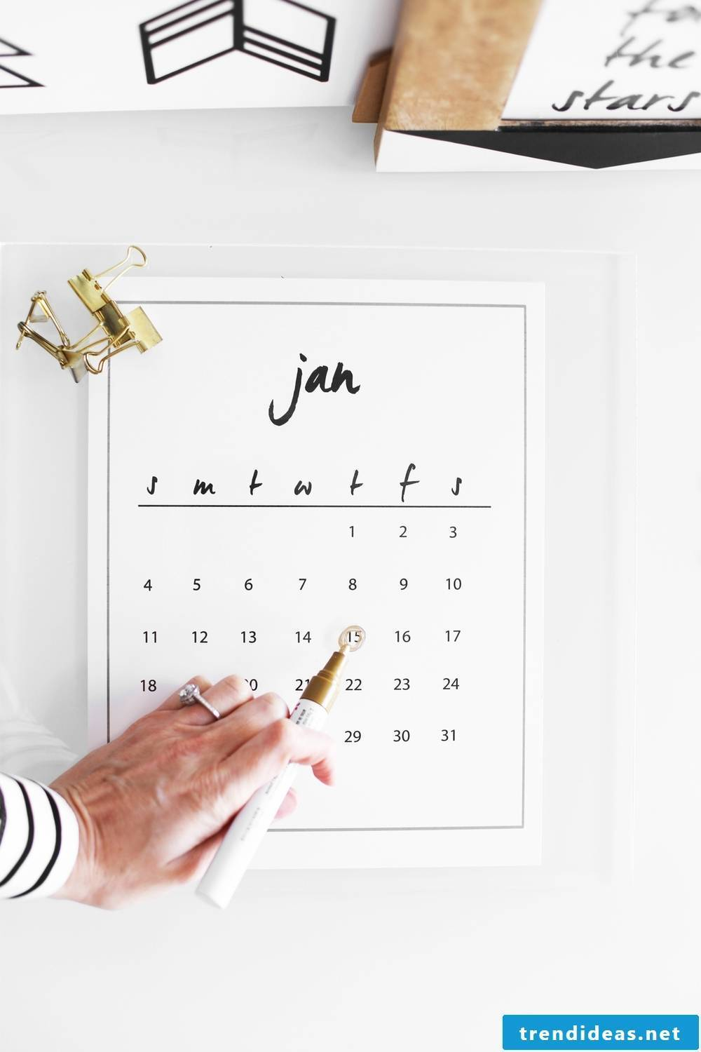 Read our guide for making photo calendars yourself