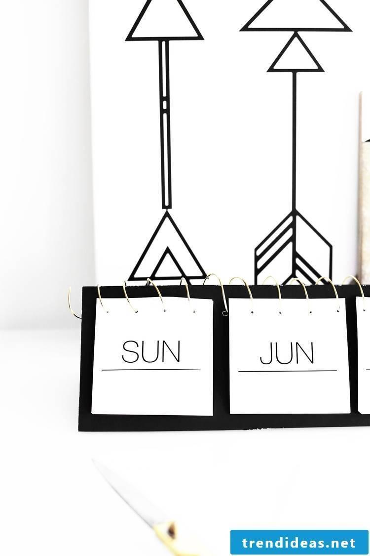 Photo calendar itself figures in 9 steps