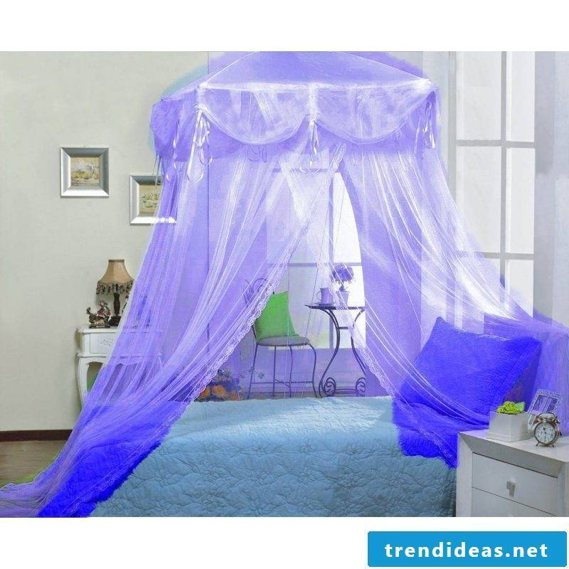 Four-poster curtain romantic
