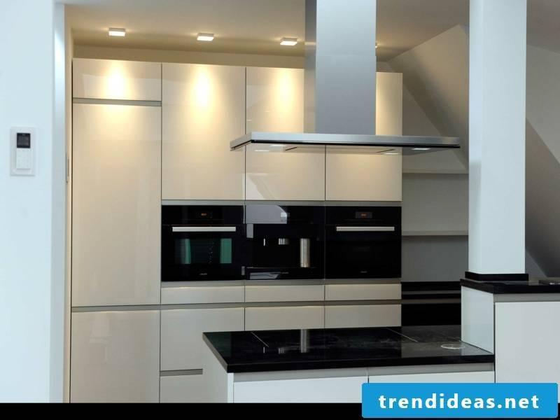 minimalistic kitchen lighting design
