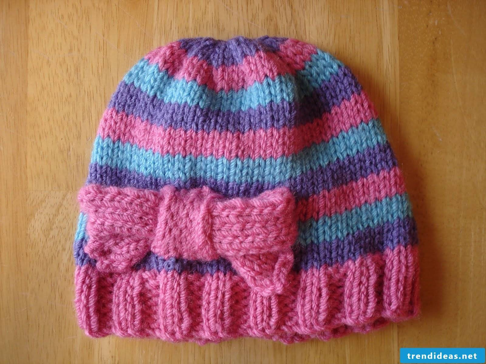 Hat with bow for children and adults