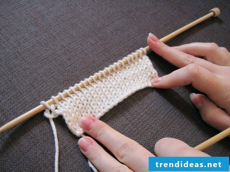 Knitting for beginners smooth right