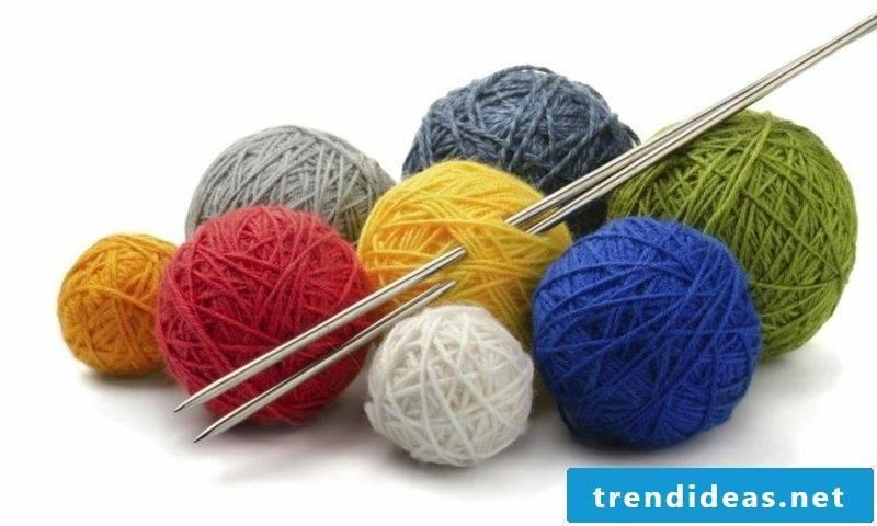 Knitting for beginners Buy yarn and knitting needles