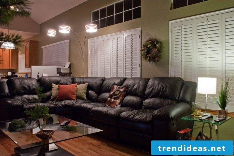 Black leather furniture in the living room!