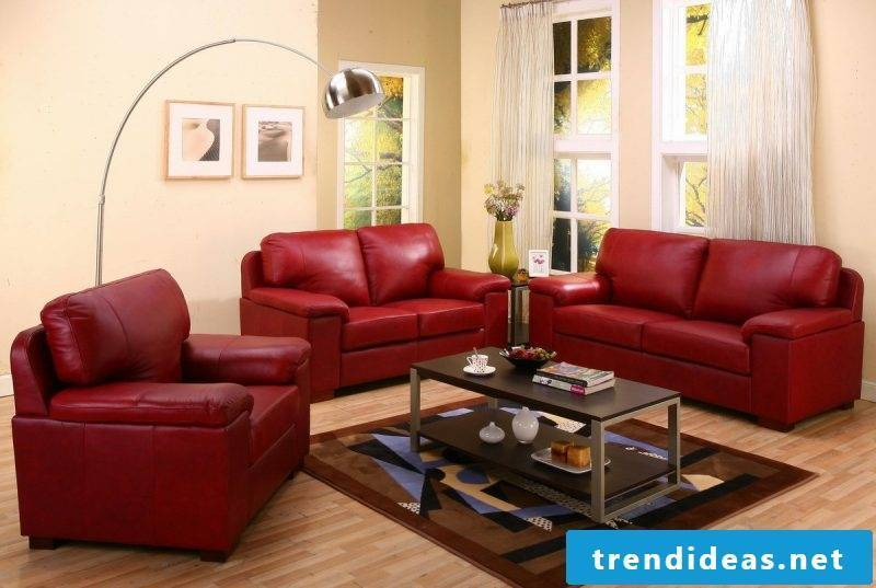Leather furniture in red for the living room!