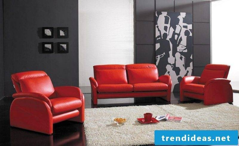 Red leather furniture in a stylish design!