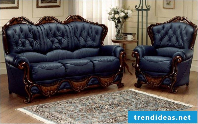 Extravagance with dark blue leather furniture!