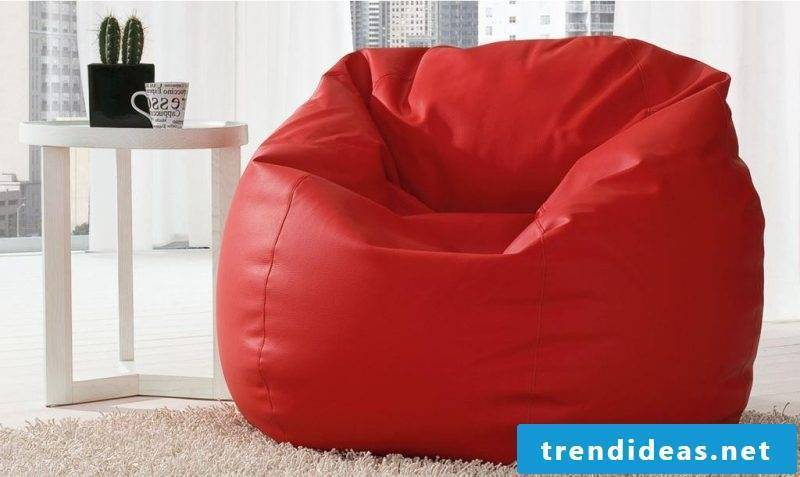 Leather chair in red!