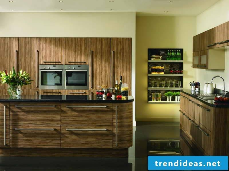 Wood and yellow color in Provence kitchen