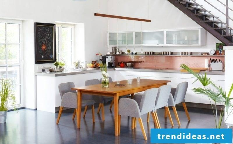 Kitchen-cum-neutral color scheme
