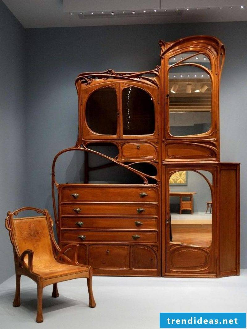 Idea wooden Art Nouveau features