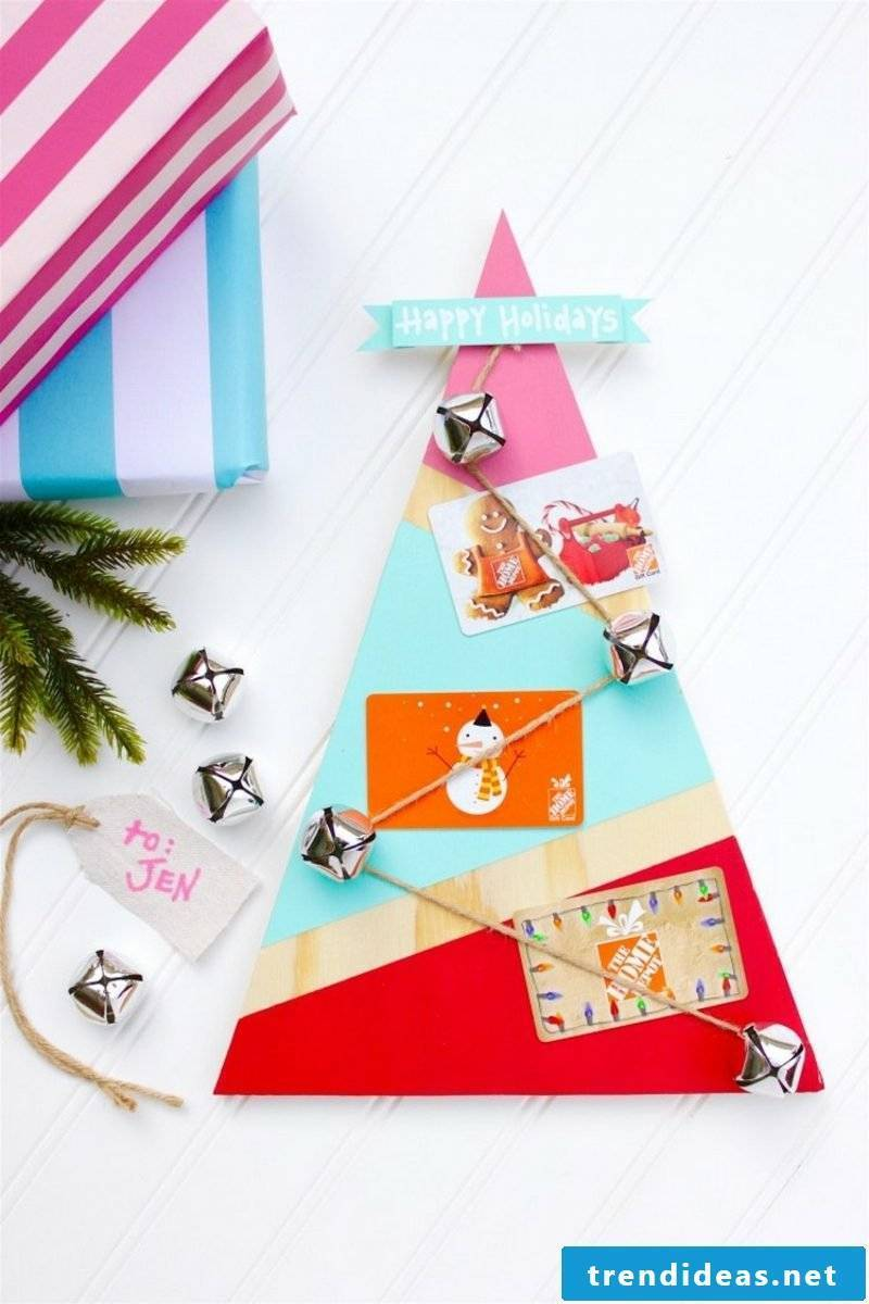 DIY coupon craft Christmas tree