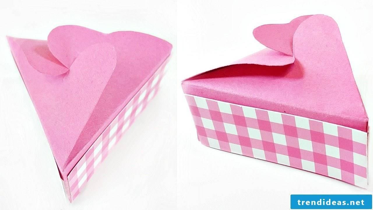 Folding box to make yourself