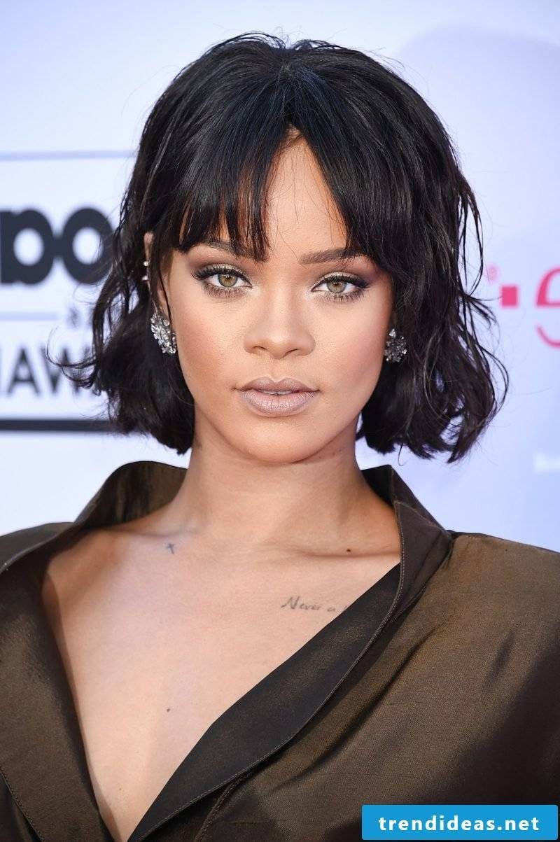 Bob haircut with pony Rihanna