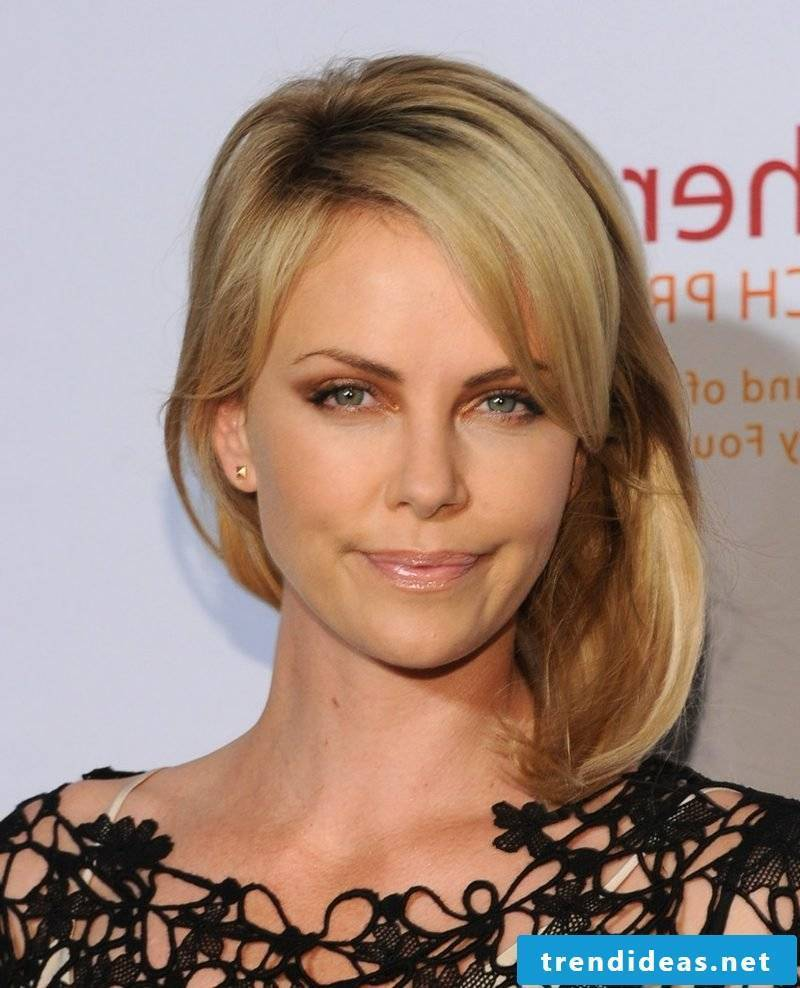 Long Bob blonde hair shoulder length Charlize Theron