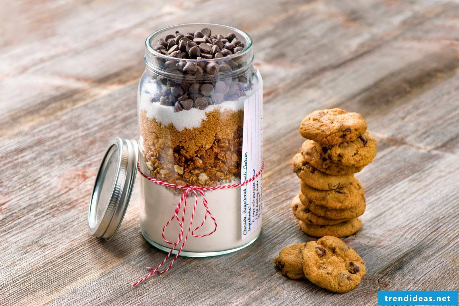 Make baking mix in the glass itself