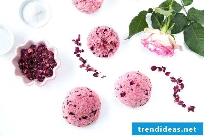 Bath balls themselves make a basic recipe