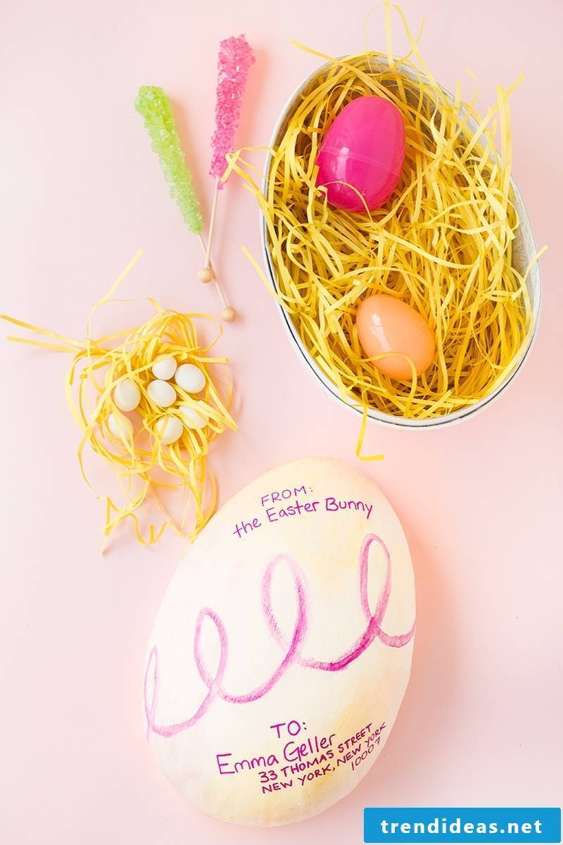 Make Easter baskets from eggs yourself