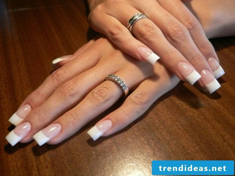 French nails themselves make classic and elegant