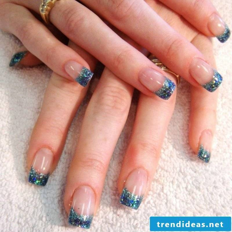 Do French Nails with Gellack yourself