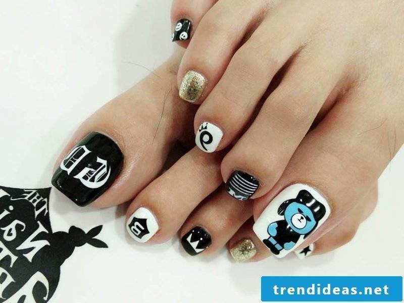 Halloween Nails Black Gold