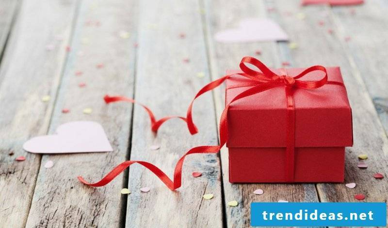 Valentine's Day gifts yourself make the best ideas
