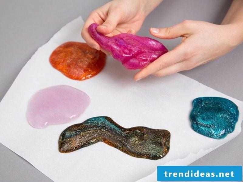 Schlein himself make recipe with craft glue