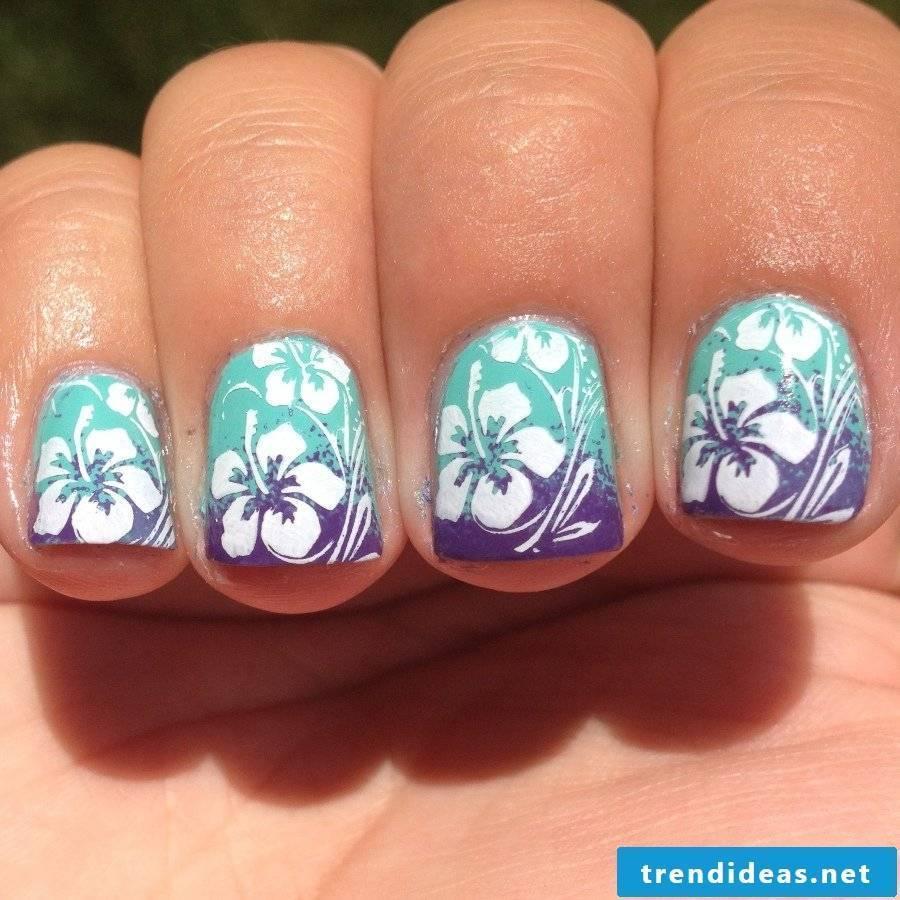 Caribbean flowers fingernails design