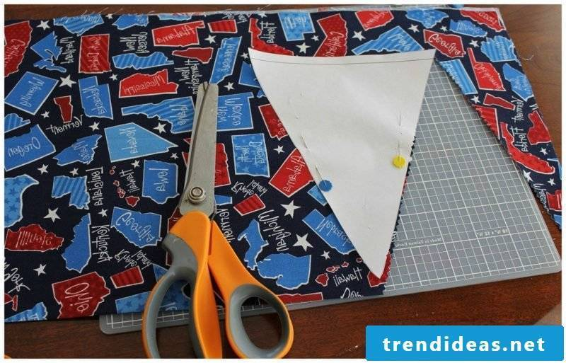 Sewing pennant necklace: instructions with fabric