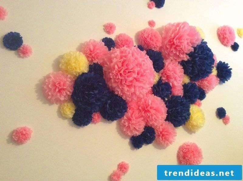 Make pompoms