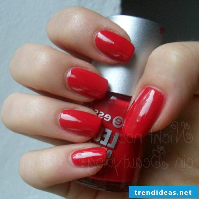make red gel nails yourself
