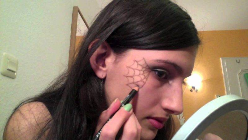 Make-up Halloween instructions witches make-up