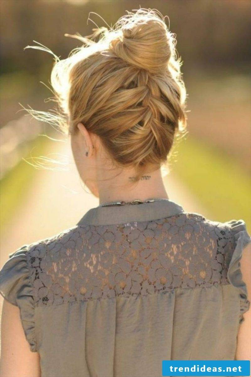 Hairstyles make plaited buns themselves