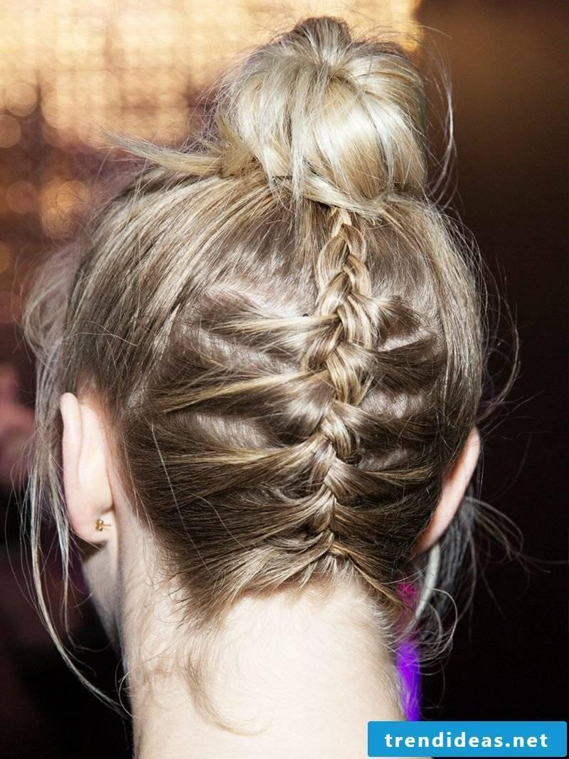 Updos simply braided Dutt