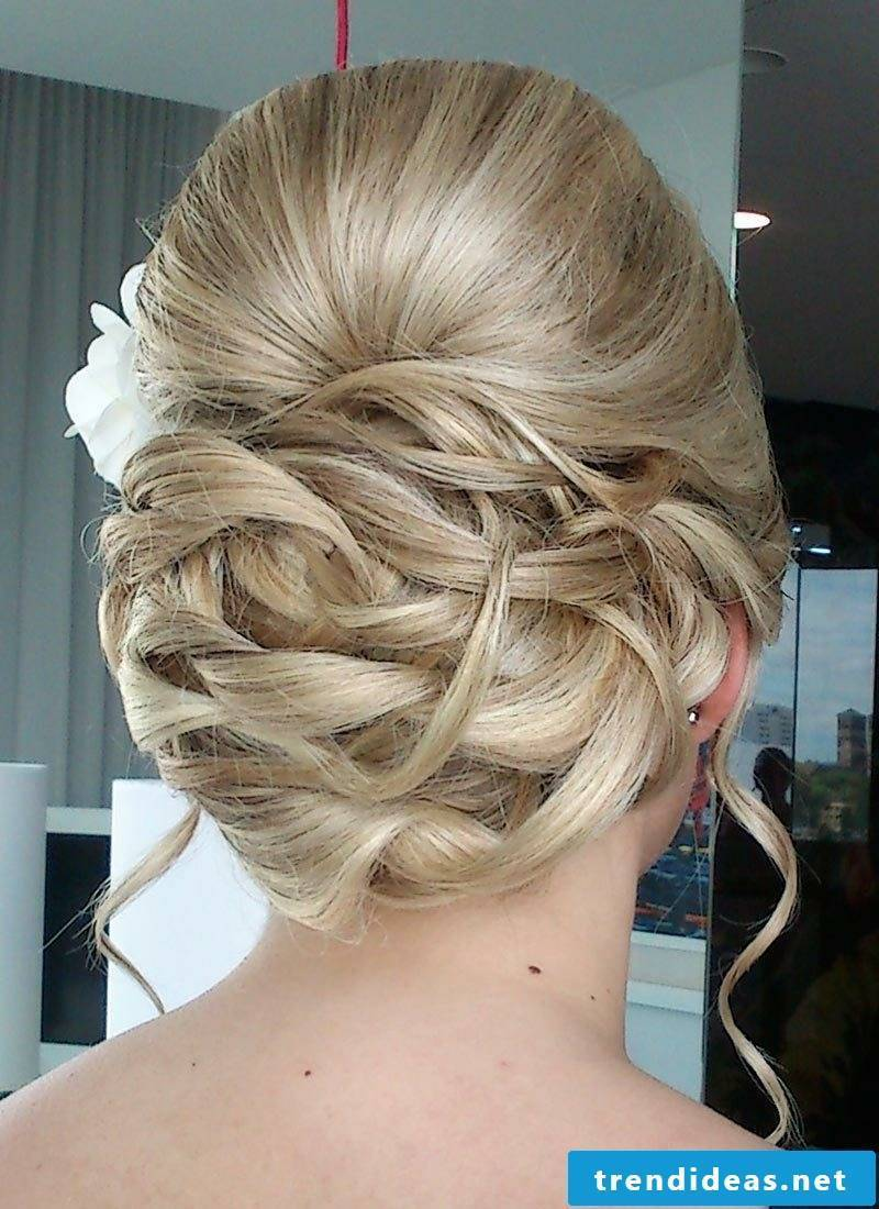 Hairstyle wedding guest
