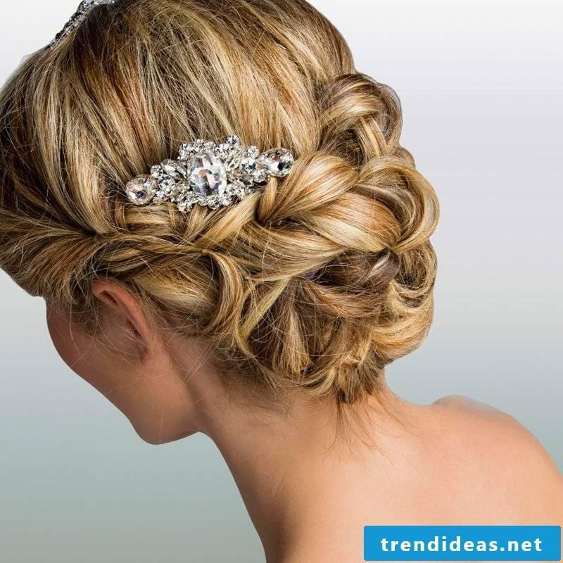 Hairstyles for long hair bun