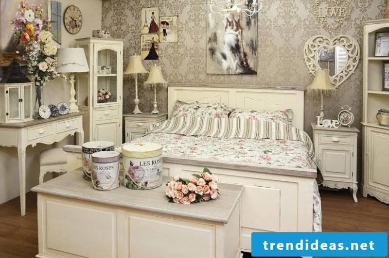 Vintage furniture itself make bedroom shabby look