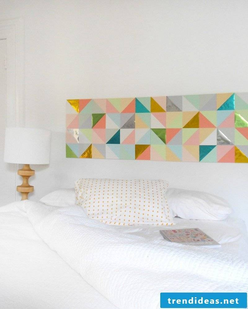 Make wall tattoo yourself: idea for bedroom