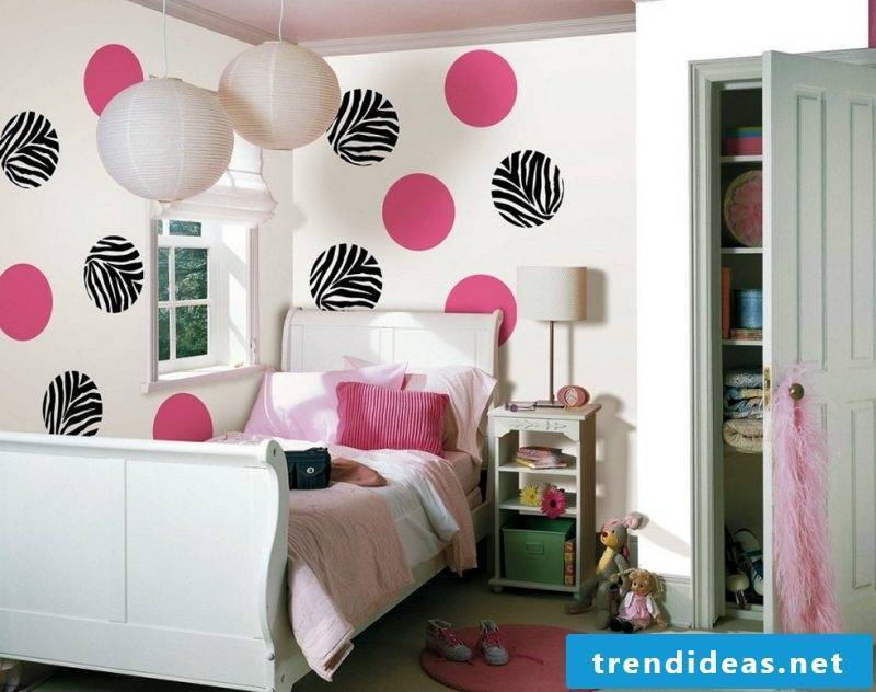Make a wall tattoo yourself: idea for children's room
